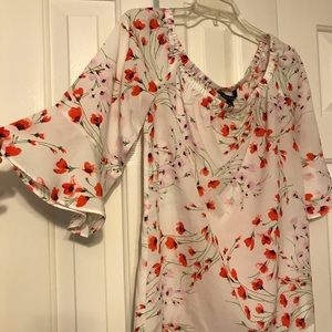 Banana Republic off the shoulder white floral top